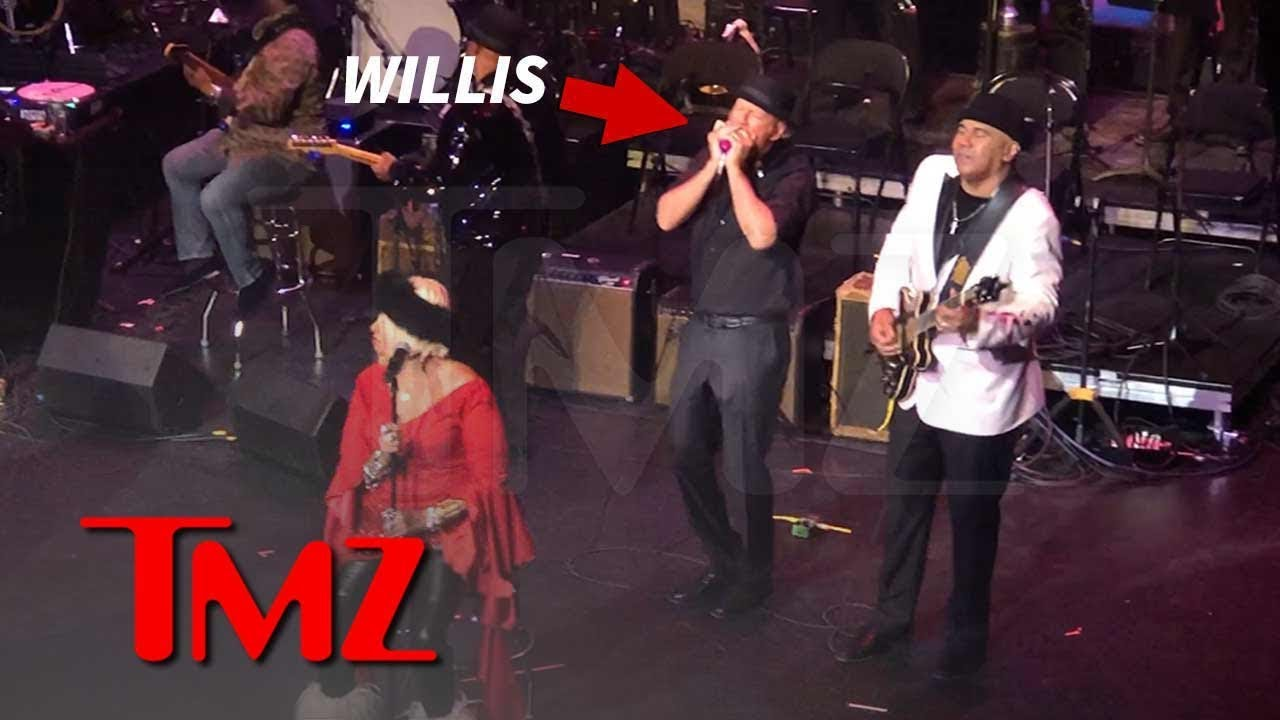 Bruce Willis Plays Harmonica, Sings During Jazz Show in Harlem | TMZ 4