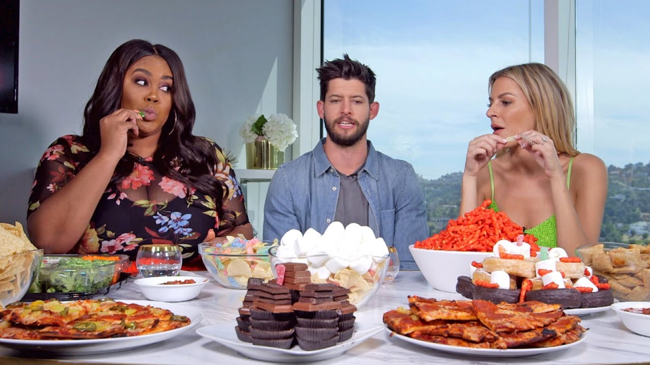 Morgan Stewart, Hunter March & Nina Parker Do a Mukbang! | Nightly Pop | E! 3