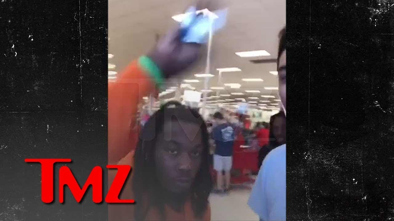 Offset Smacks Phone Out of Fan's Hand While He's Recording | TMZ 10