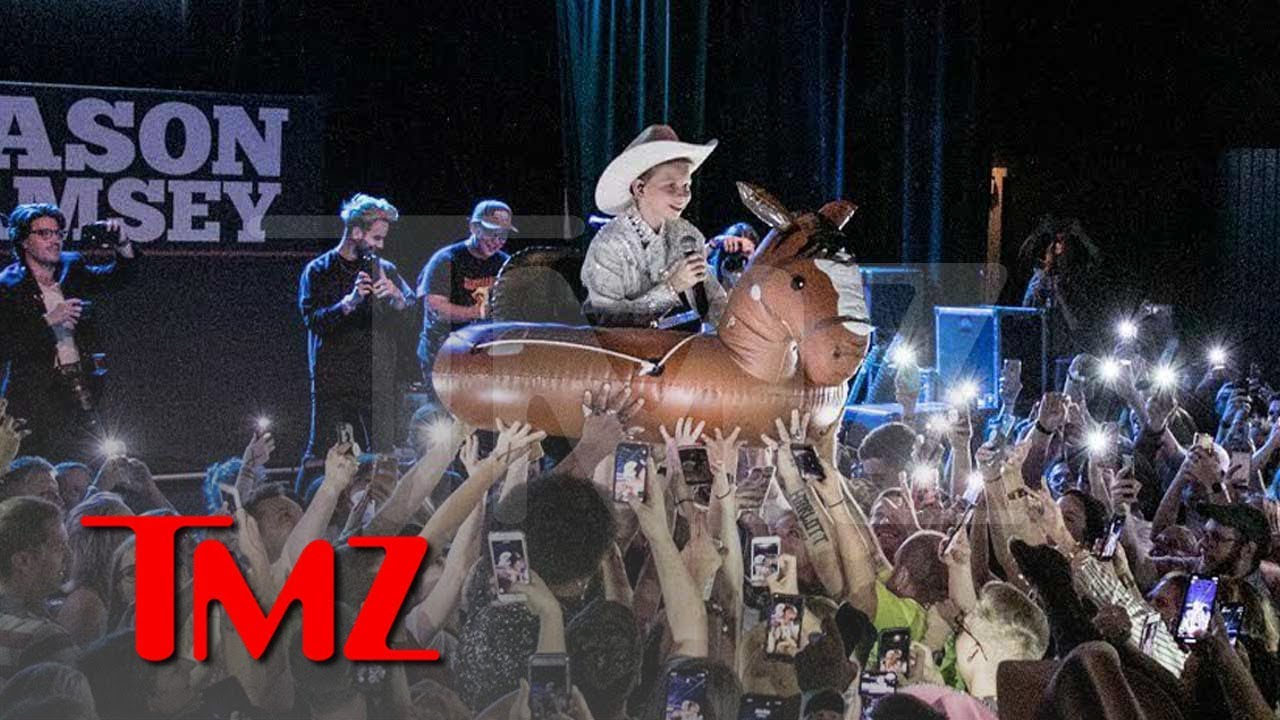 Yodeling Kid Mason Ramsey Gears Up for 30-Date Fall Tour 4