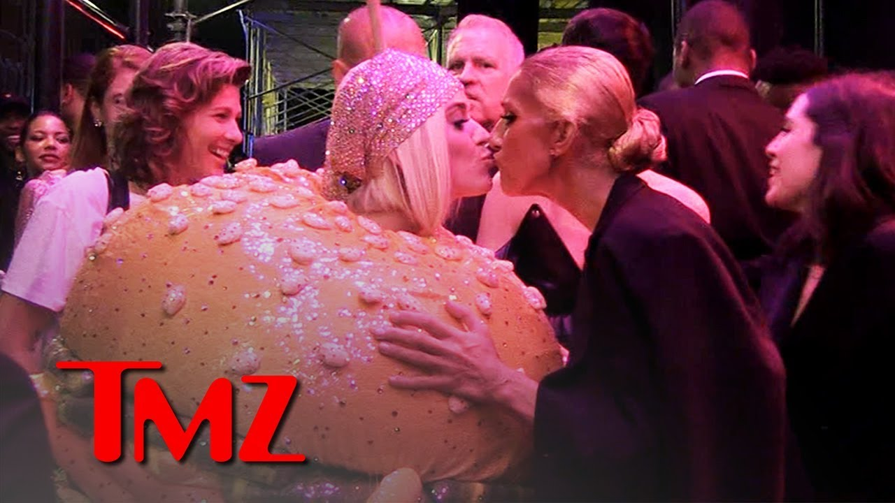 Katy Perry in a Burger Costume Kinda Turned On Celine Dion at Met Gala | TMZ 3