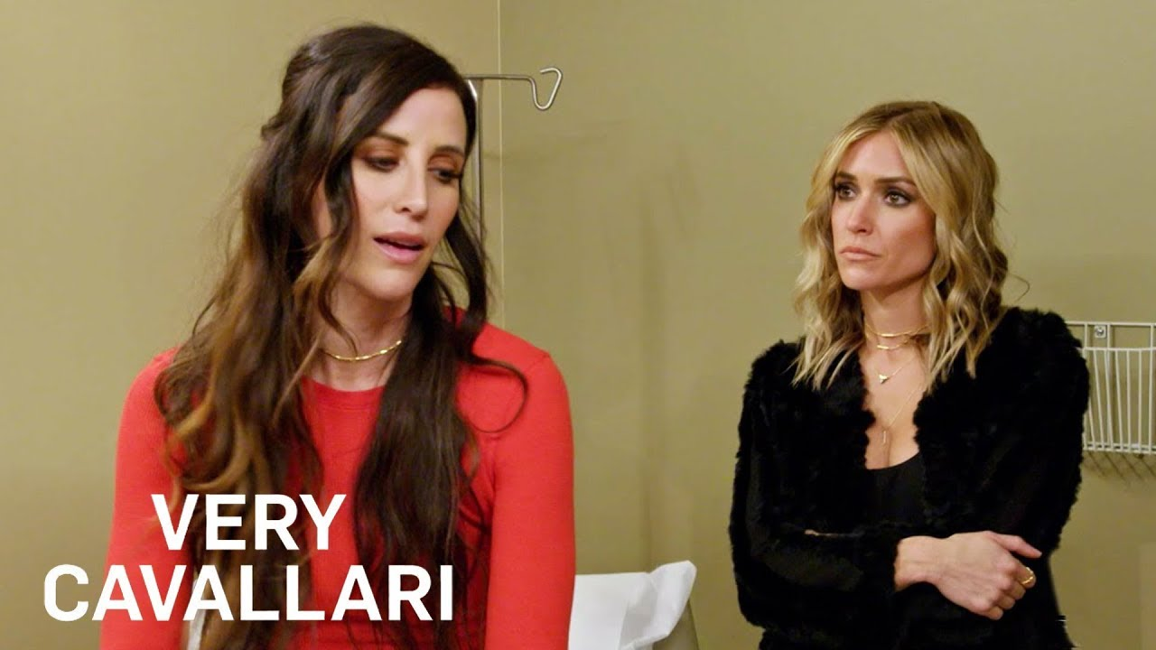 Kelly Henderson Receives Bad News From OBGYN | Very Cavallari | E! 2